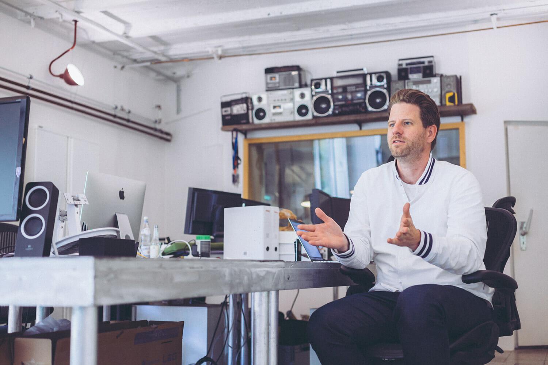 Werbekampagne für Host Europe mit Peter Heineking - eitelsonnenschein Filmproduktion